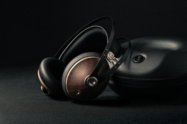 The Best Surround Sound Headphones for Movies Buyer's Guide